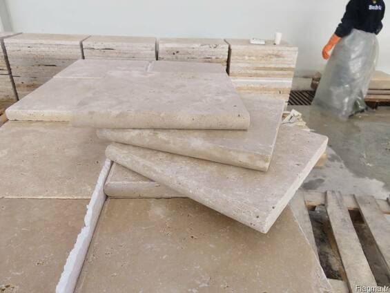 Pool Coping Travertine Tumbled