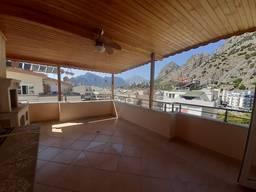 На продажу выставлен пентхаус 4 1 с видом на горы
